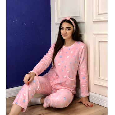 pijama - Azərbaycan: Pijama dəstləri 30 azn. Hər növ qadın və kişi geyimlərinin online