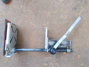 Stalak - Srbija: Stalak za bušilicu, polovan, visine 550 mm, prihvat bušilice do fi 45