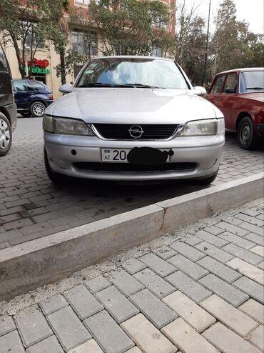 Opel Vectra 1.8 l. 1998 | 310000 km
