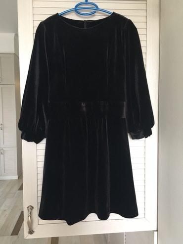 платье бархатное в Кыргызстан: Бархатное платье. Отличное состояние. S-M