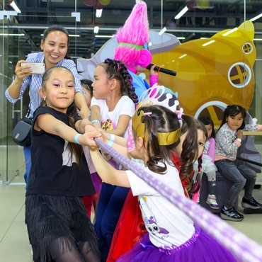 создание слайд шоу в Кыргызстан: Детское шоу на ваш праздник! Аниматоры в Бишкеке! _________ ЗАКАЗАТЬ
