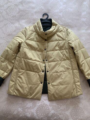 куртка в Кыргызстан: Продаю новую куртку, деми. Легкая, двусторонняя (тёмный хакки с горчич