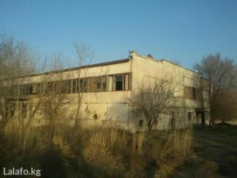 Продается или сдается 2-этажное здание, красная книга есть. место угод в Бишкек - фото 4