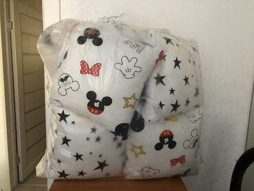 Абсолютно новые бортики для кроватки в упаковке. Купили,но подарили