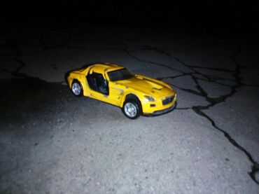 Ищю донора для модельки Мерседес слс Макларен нужны колёса и двери