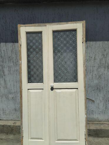 Окна, двери - Кыргызстан: Дверь двустворчатая деревянная со стеклом.Размер коробки:Ширина - 113
