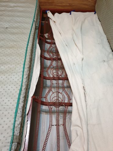 Продаю кровать двухспальную усиленную+ 2 прикроватные тумбочки+ трюмо