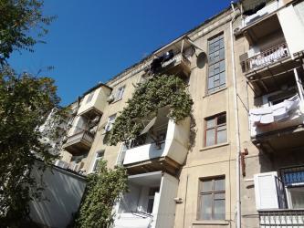 Bakı şəhərində Продается 3х комнатная квартира в