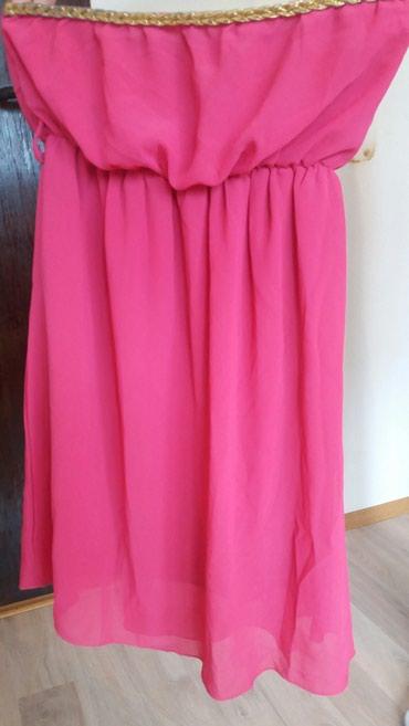 Zenska haljinica, roze boje, sa zlatnim detaljem oko grudi, jako - Krusevac