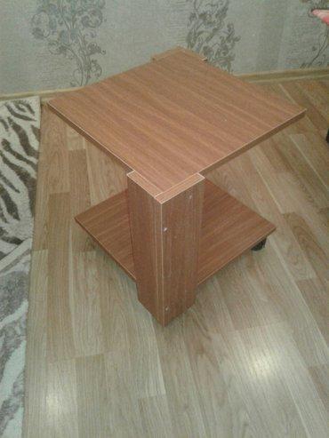 Xırdalan şəhərində Tekerli jurnalni stol 40×40(ćay stolu kimi)