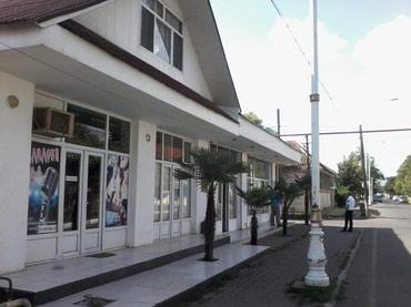 Lənkəran şəhərində Lənkəranın mərkəzində (qalada) ev və 4 ofis satılır ev 5
