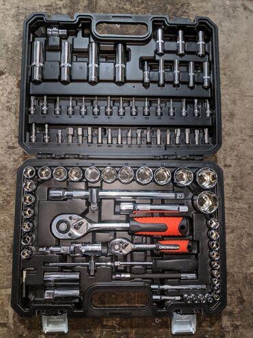 Набор инструментов Количество предметов 94 Фирма: CrownMan