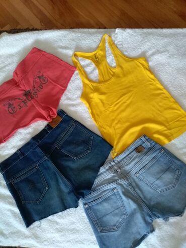Tri šortsa i majica, sve za 500