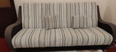 советский раскладной стол в Кыргызстан: Продаю комплект, диван и 2 кресла. 3 подушечки.Производство Минск.В