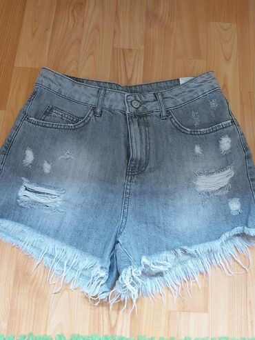 Ženske kratke hlače | Arandjelovac: Sorc ni jednom nije obucen, 29 velicina, ali je suzavan pa odgovara za