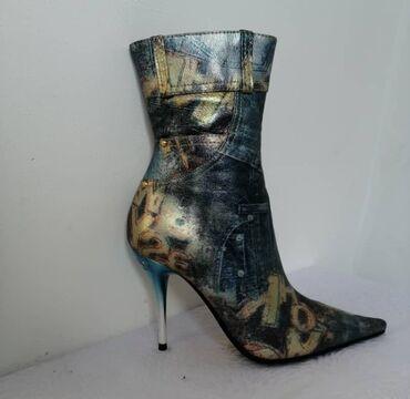 Ботинки кожаные и с внутри кожа