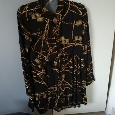 Prodajem haljinu tuniku, kupljena u Stradivariusu. M veličina. Nošena