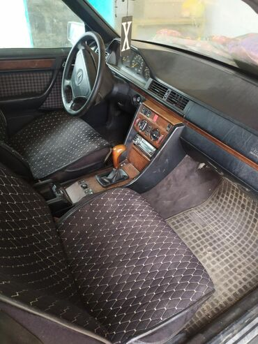 Mercedes-Benz в Тюп: Mercedes-Benz 280 2.8 л. 1992