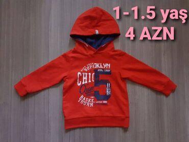 1)Sweatshirt 1-1.5 yaş üçün. Təzə kimidir demek olarki geyinilmiyib