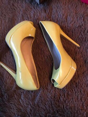 Продам туфли в хорошем состоянии, размер 38. 600 сом