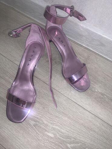 Продаю босоножки Zara, новые, каблук 4 см, очень удобная колодка
