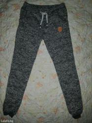 аялзат в Кыргызстан: Новые утепленные спортивные штаны,примерно 25-26 размер