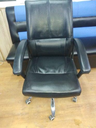 Продаю офисные кресло 3000с парикмахерский зеркала 4000 3шт в Бишкек