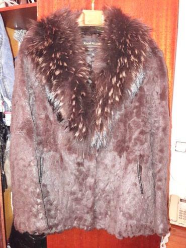 шубу размер 46 48 в Кыргызстан: Продаю шубу натуралка. стриженный кролик. турция. воротник песец. разм