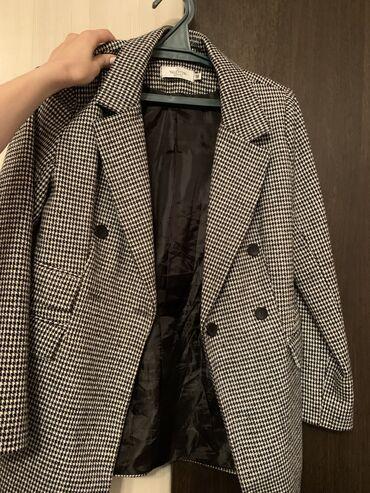 Пиджак в отличном состоянии 600 сом размер м