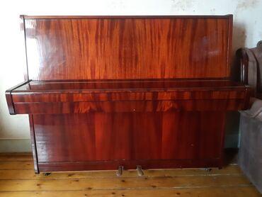- Azərbaycan: Pianino( Belarus) satilir 300 azn iwleyir klaviatura pedal hamsi yaxw
