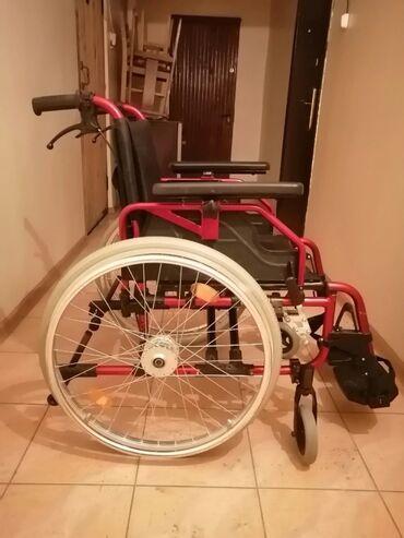 Инвалидные коляски - Кыргызстан: Инвалидная коляска. Продаю. Надувные колёса. Подлокотники съёмные