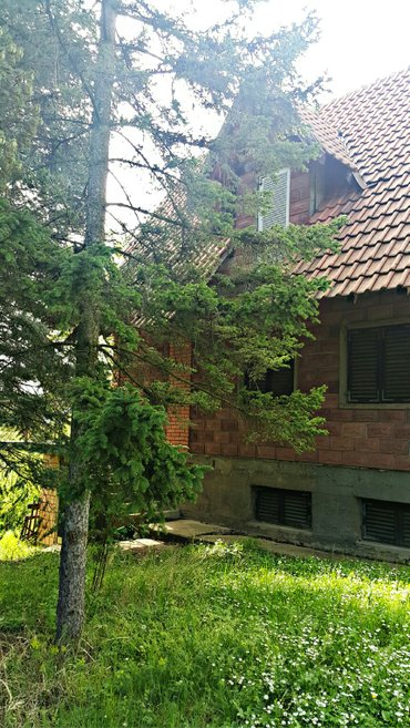 Prodajem (ili menjam za stan) kuću pored jezera Avala-Trešnja - Belgrade