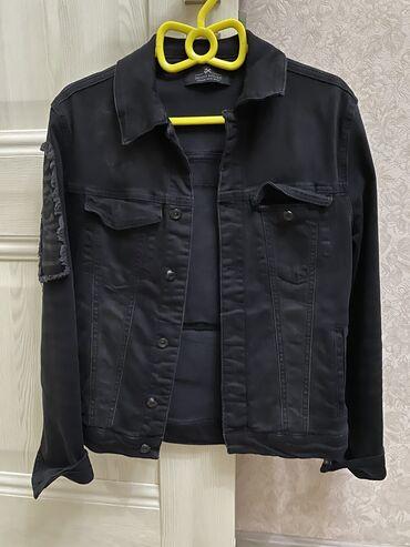 sumki na kazhdyj den в Кыргызстан: Джинсовая куртка б/у в хорошем состоянии чёрного цвета. Размер м ( 44)