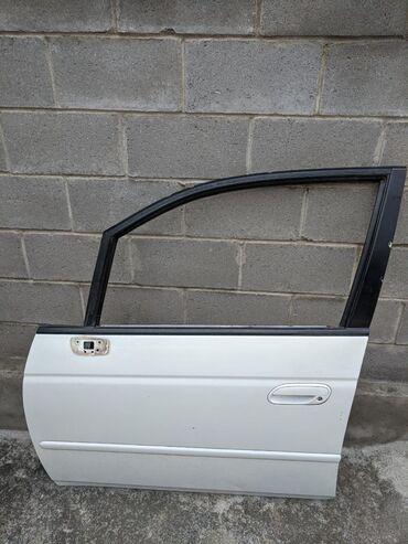 Передняя дверь для Honda Odyssey  Состояние б/у