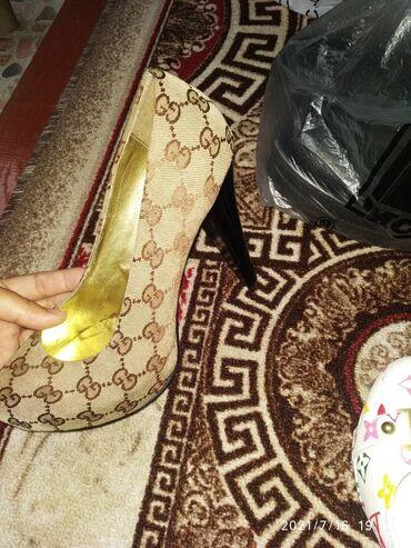 Личные вещи - Кара-Кульджа: Туфли gucci состояние размер 40