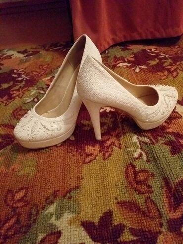 shoes в Кыргызстан: Продаю туфли в идеальном состоянии один раз одевала и то долго не