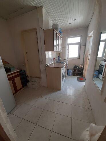 baxın yuzh magistral asanbai rayonunda böyük ev satıram - Azərbaycan: Satış Ev 35 kv. m, 2 otaqlı