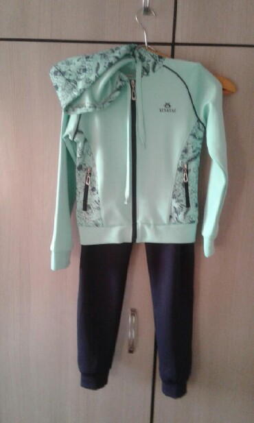армейский куртка в Кыргызстан: Спорт.костюм/подарили мал/ 8- 10- 11 лет длин.брюк 86,д.куртки