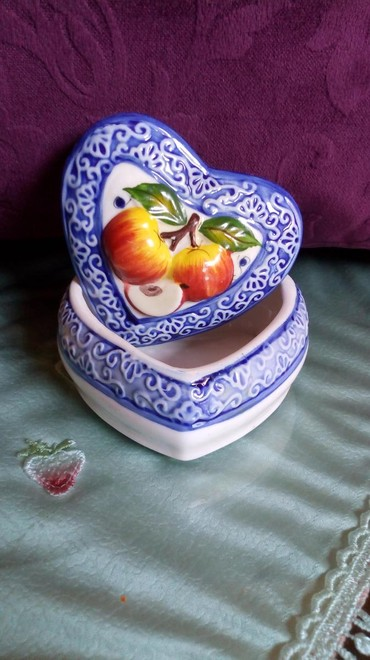 Porcelanska nova satula za nakit...i sl...visina - Kraljevo