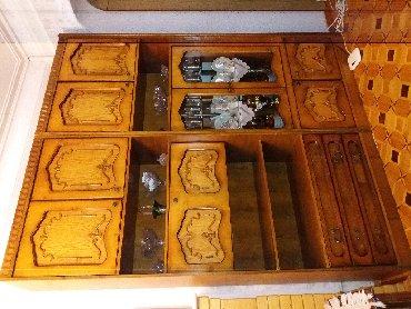 шкаф в гостинную в Азербайджан: Продам шкаф для гостиной комнаты, ручная работа не завод. в хорошем