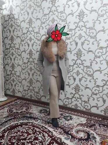 cholpon pro пальто производитель в Кыргызстан: Продаётся пальто с натуральным мехом.Мех (Лиса)Качество суперТкань не