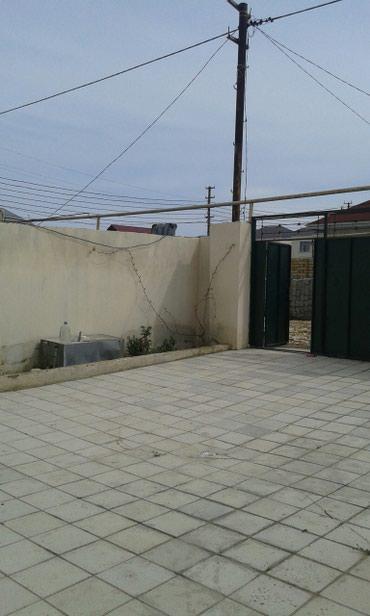 Bakı şəhərində Satış Evlər : 110 kv. m., 3 otaqlı