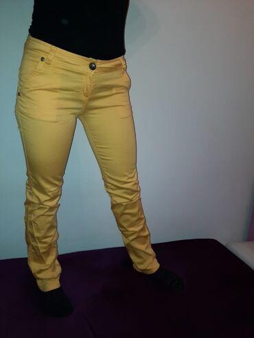 Pantalone nezno zute boje - Srbija: Zute pantalone, pise da su broj 40, ali su realno broj 38