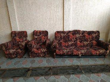 раздвижной диван с креслами в Кыргызстан: Продаю диван : тройки, двойки, кресла.Есть много офисных столов