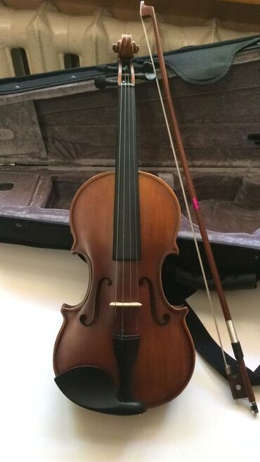 продам коптильню в Кыргызстан: Продам скрипку 1/4(четвертная) почти новая, комплект