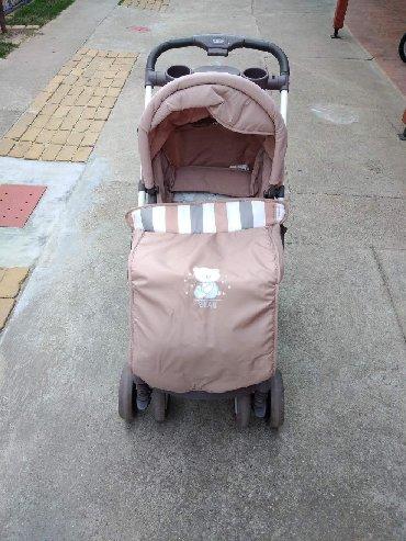 Dečija kolica i nosiljka. Veoma dobro očuvana, malo korištena