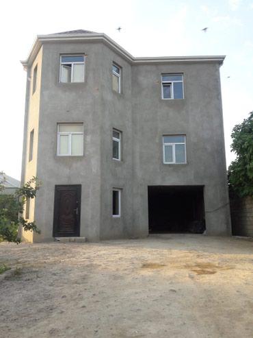 Bakı şəhərində        Tecili kupcali 7 otaqli villa satilir.
