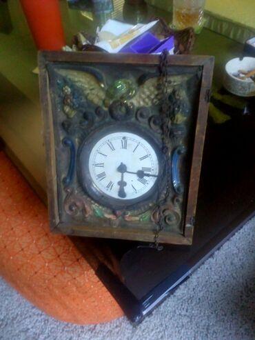 Motorola startac 70 - Srbija: Jako stari sat oko 70 godina,antikvitet