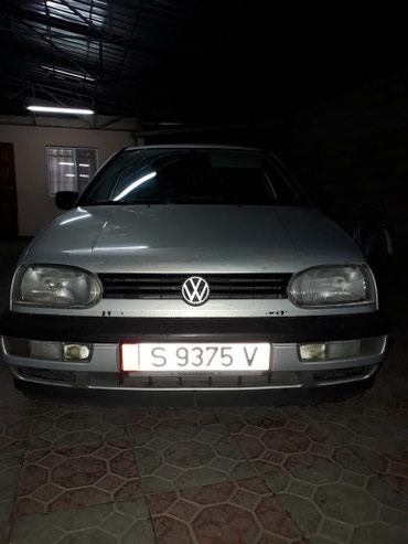 Volkswagen Golf 1993 в Бишкек