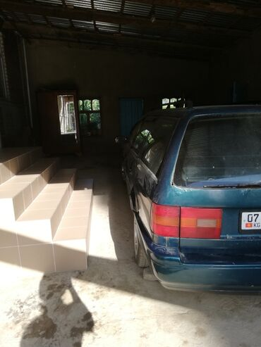 Транспорт - Кызыл-Адыр: Volkswagen Passat 2 л. 1996
